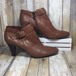 Bandolino Women's Ankle Boot, Size 6.5